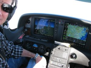 Cirrus SR22TN-G3 Perspective by Garmin Flight Deck, photo by wikiWings